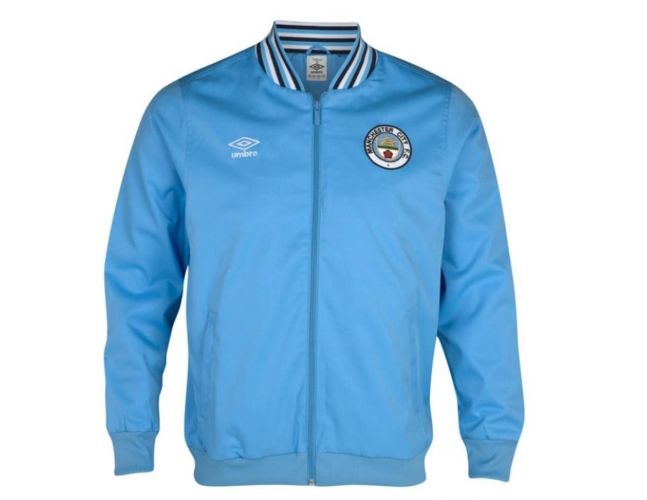 เสื้อ Mancity เสื้อแจ็คเก็ต แมนเชสเตอร์ ซิตี้ ของแท้ 100% Manchester City 1350 Classics Ramsey Jacket - Vista Blue จากอังกฤษ เหมาะสำหรับสวมใส่ เป็นของฝาก ของที่ระลึก ของสะสม ของขวัญแด่คนสำคัญ