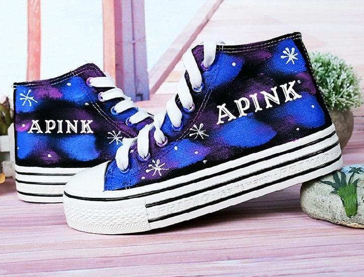 รองเท้าผ้าใบเรืองแสง A-PINK
