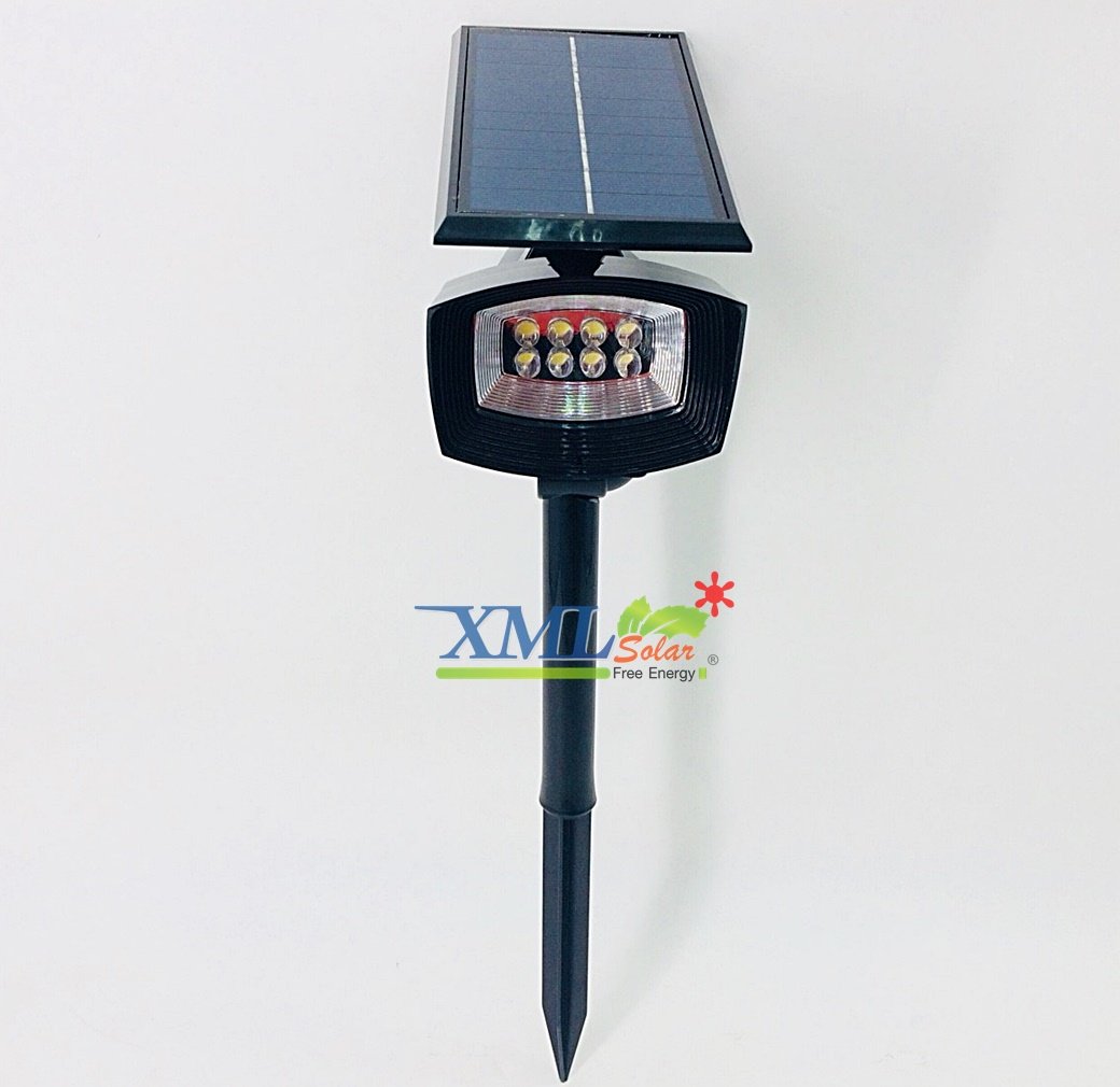 สปอร์ตไลท์ปักสนามโซล่าเซลล์ 8 LED (ดำ) (เเสง : ขาว)