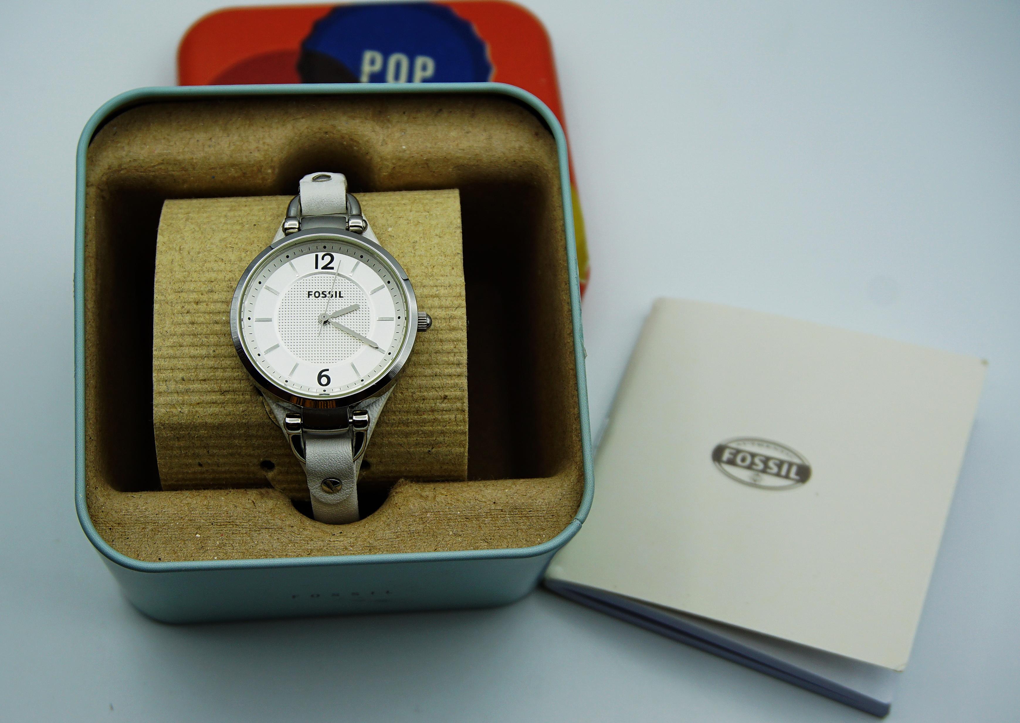 นาฬิกา FOSSIL พร้อมกล่องและคู่มือ