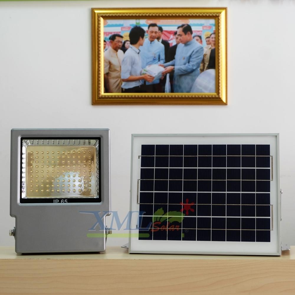 ไฟสปอตไลท์โซล่าเซลล์ 108 LED โคมเทา (เเสง : เหลืองวอมไวท์)