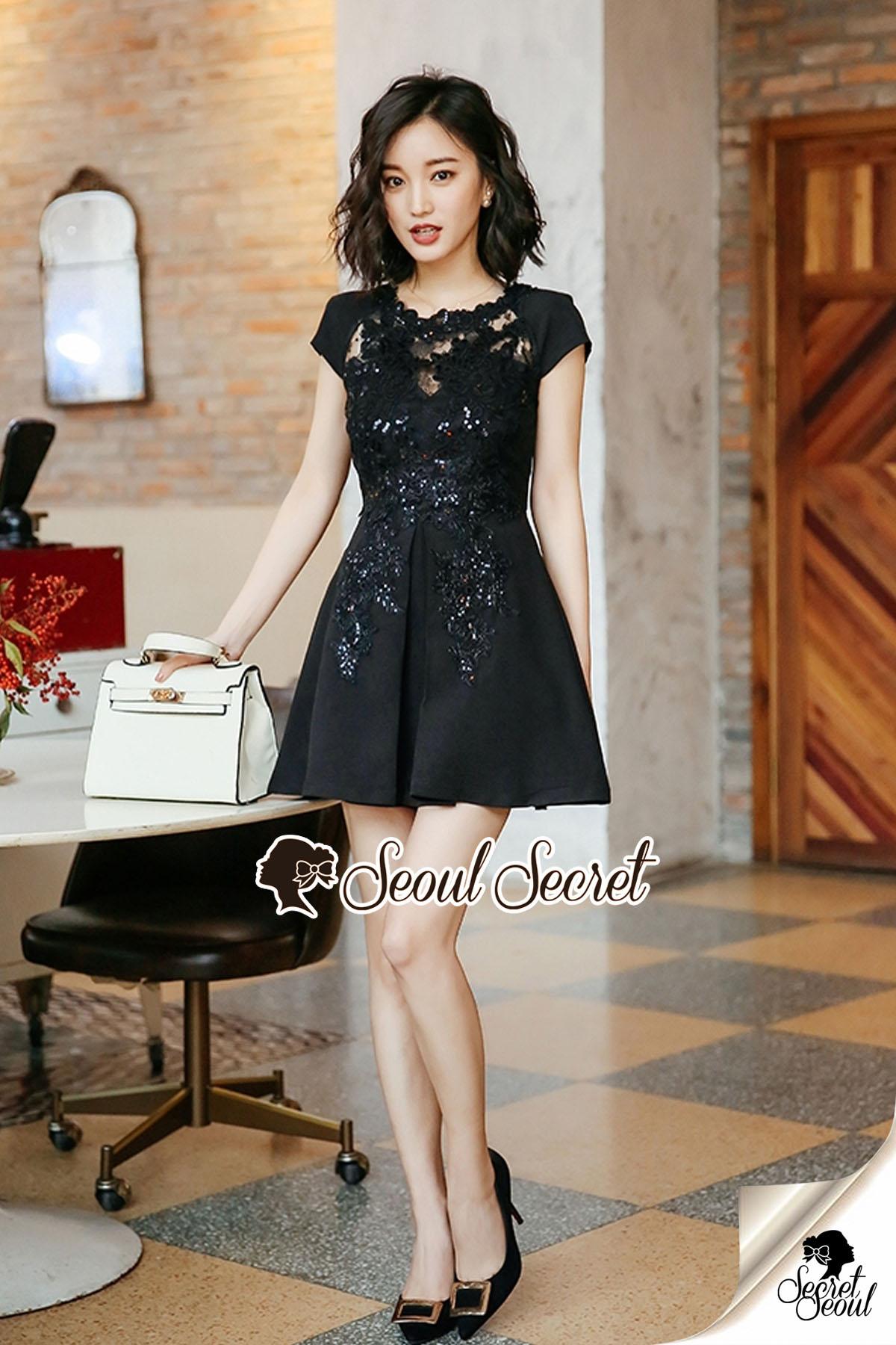 Furbelow Black Lady Dress