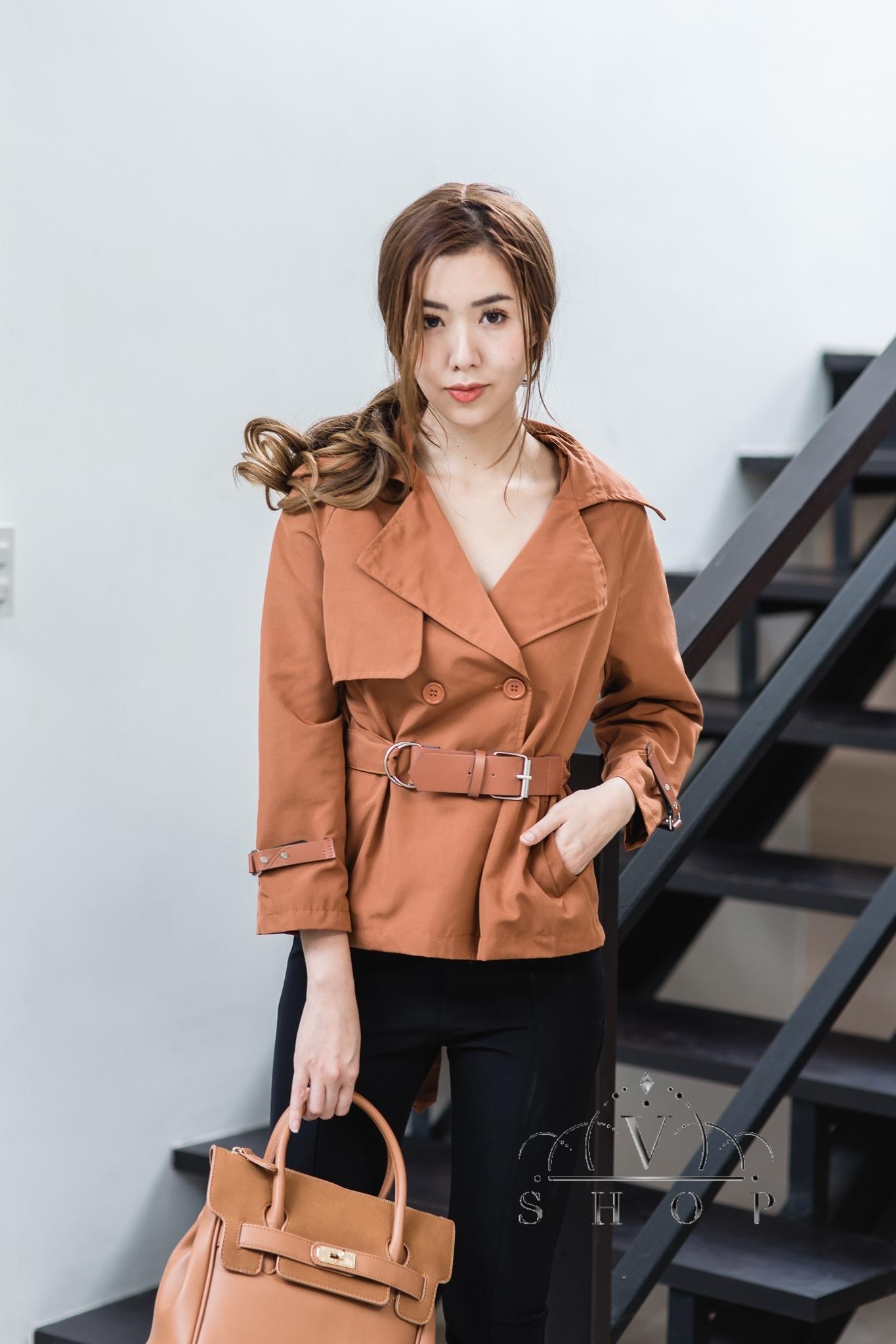 เสื้อผ้าเกาหลีพร้อมส่ง แจ็ตแก็ดคอปกสามารถใส่ได้ 2 สไตล์