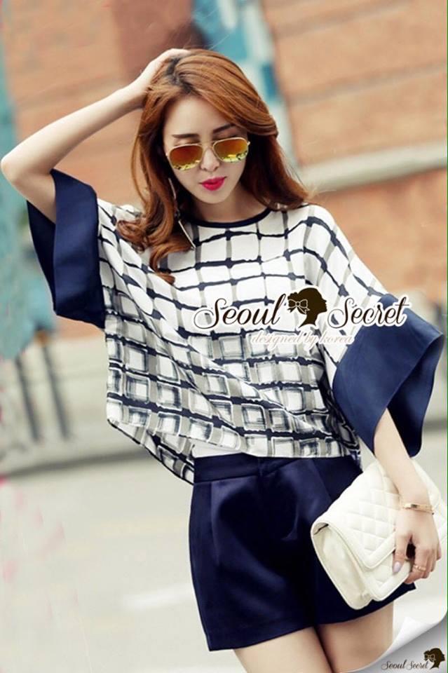 เสื้อผ้าเกาหลี พร้อมส่งFunnel Sleeve Chic Checked Set