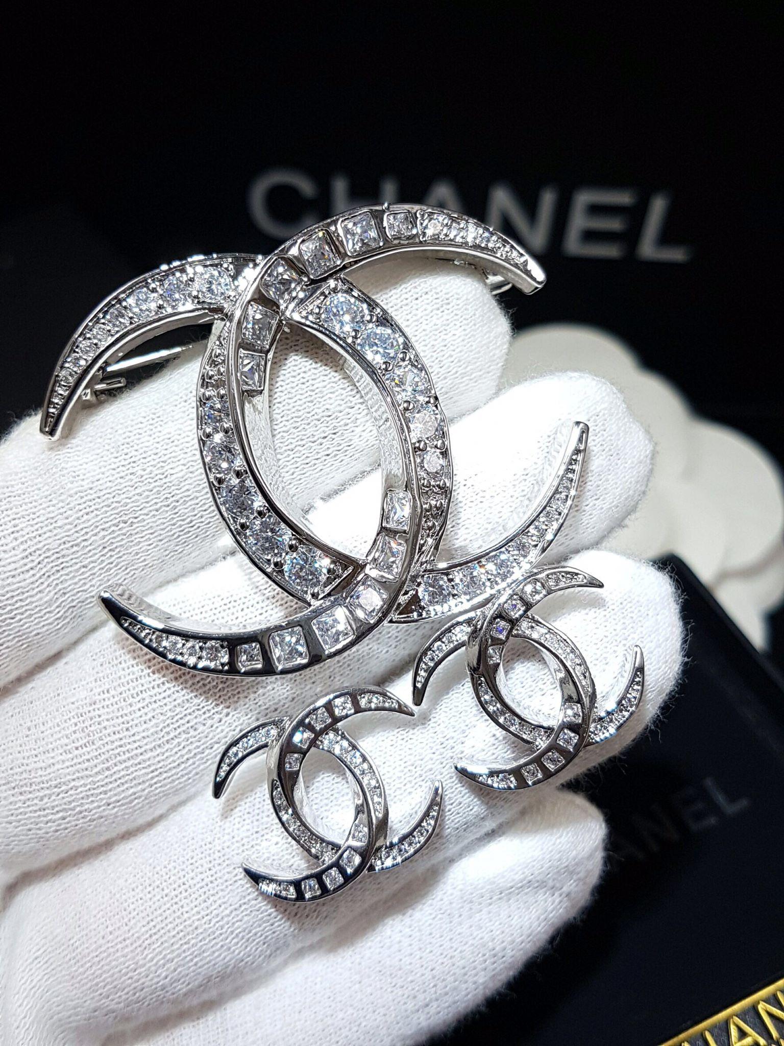 พร้อมส่ง Chanel Brooch& Earring เข็มกลัด/ต่างหู