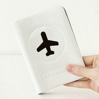 Happy Flight Passport Cover ปกพาสปอร์ต พิมพ์ลายเครื่องบิน สีขาว