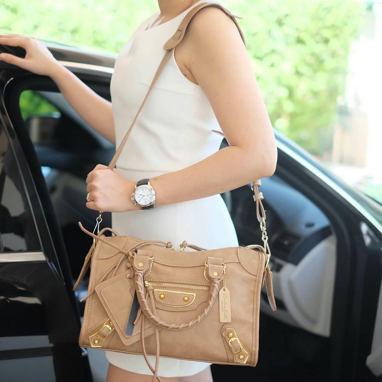 กระเป๋า Massimo Dutti nano leather Balenciaga Style ราคา 1,390 บาท Free Ems