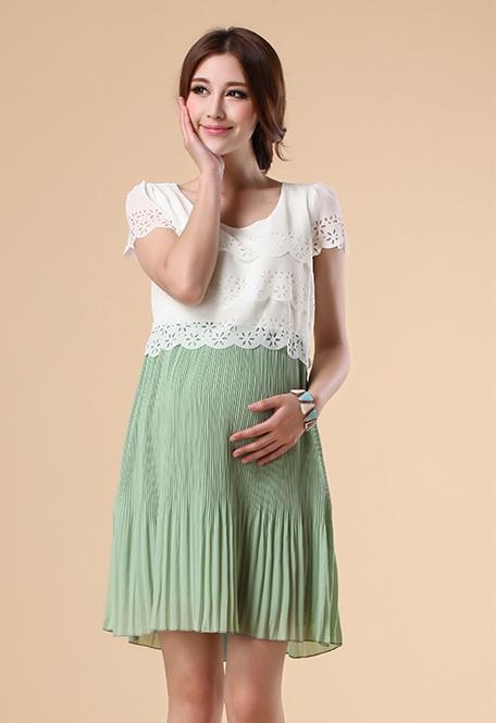 ชุดเดรสคลุมท้องผ้าชีฟองขาวต่อกระโปรงพลีสสีเขียว