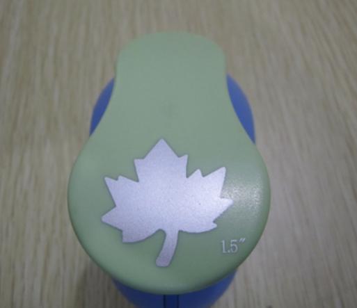 Punch เจาะกระดาษ ใบเมเปิ้ล 2นิ้ว (4.3cm)