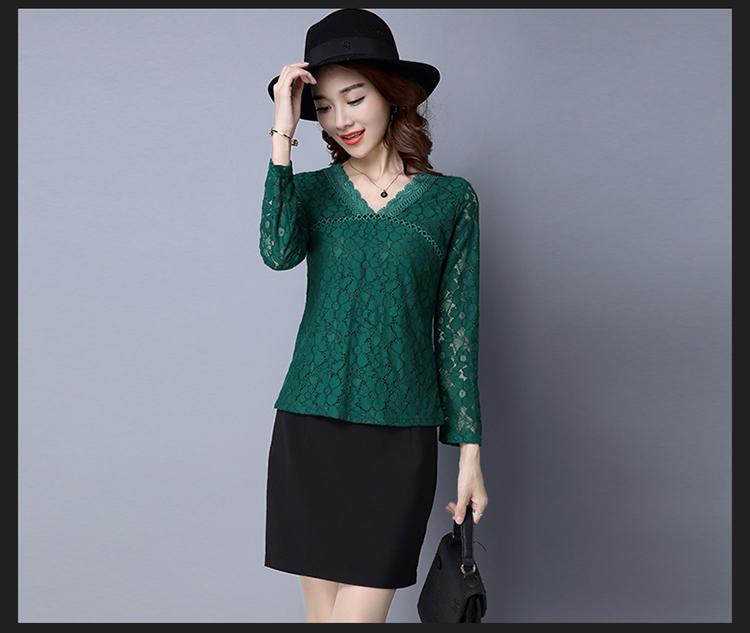 เสื้อสีเขียวคอวี แขนยาวทรงปล่อย เสื้อลูกไม้