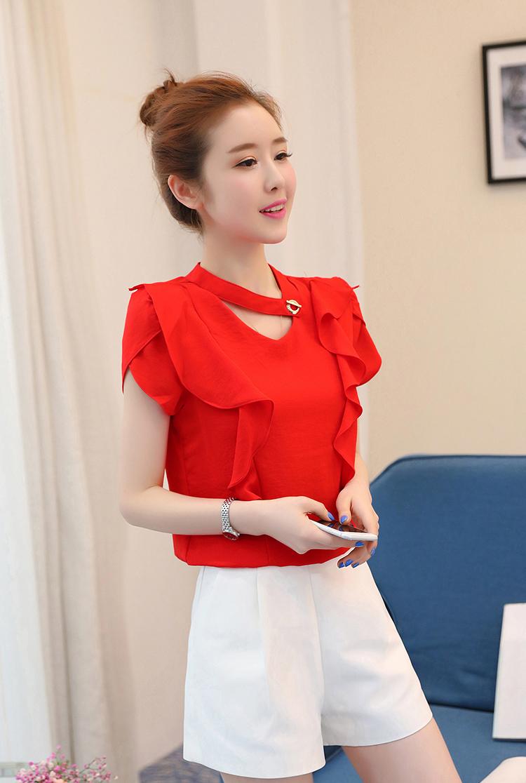 สื้อแฟชั่นคอวี แต่งสายโช้คเก้อใส่ห่วงติดคอเสื้อดูเก๋ Korea stlye-1672-สีแดง