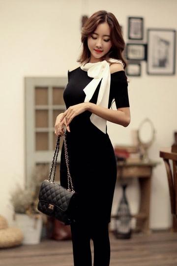 ชุดเดรสยาว เข้ารูป ชุดเดรสผ้ายืด ผ้าพันคอผ้าชีฟอง ชุดเดรสสีดำ