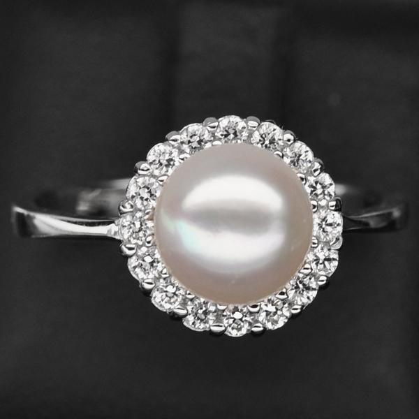 แหวนเงินแท้ 925 ชุปทองคำขาว ประดับด้วยไข่มุก (Pear) ล้อมด้วยเพชร CZ คุณภาพสูง ดีไซน์น่ารัก คลาสสิค