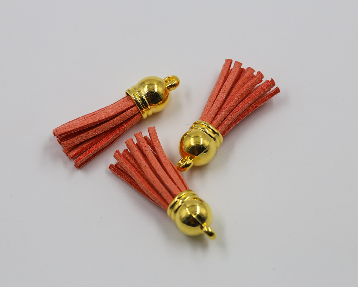 พู่ห้อยกำมะหยี่ สีโอรส จุกสีทอง ขนาด 3.5 cm.