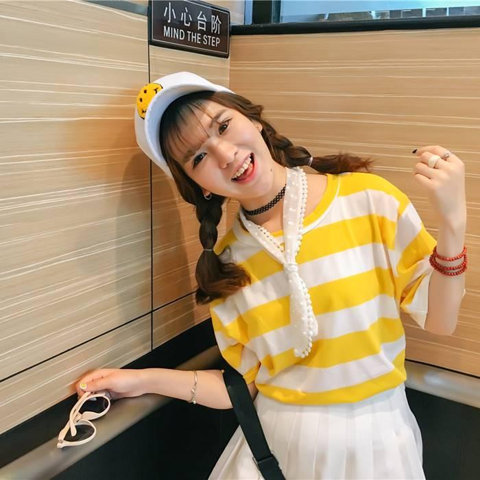 เสื้อแฟชั่น คอกลม แขนสั้น ลายขวาง สีเหลือง