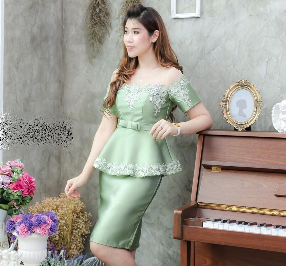 ชุดออกงาน/ชุดไปงานแต่งงานสีเขียว เซ็ทเสื้อแขนสั้น เอวระบาย + กระโปรงทรงเอเข้ารูป ผ้าไหมซาตินปักลายลูกไม้ แนวสวยหรู ดูดี