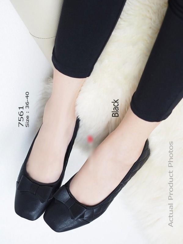 รองเท้าคัทชูส้นเตารีด หน้าตัด แต่งโบว์ (สีดำ )