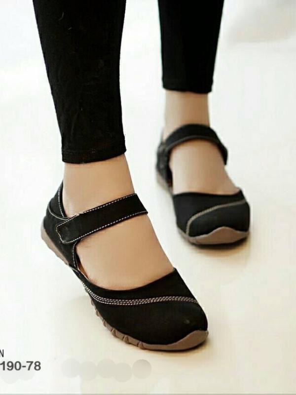 รองเท้าคัทชูส้นแบน เพื่อสุขภาพ แปะเมจิกเทป (สีดำ )