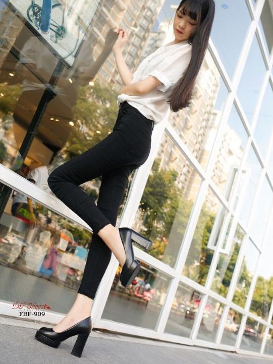 รองเท้าคัทชูส้นสูงสีดำ ทรงสวยแฟชั่นเกาหลี (สีดำ )