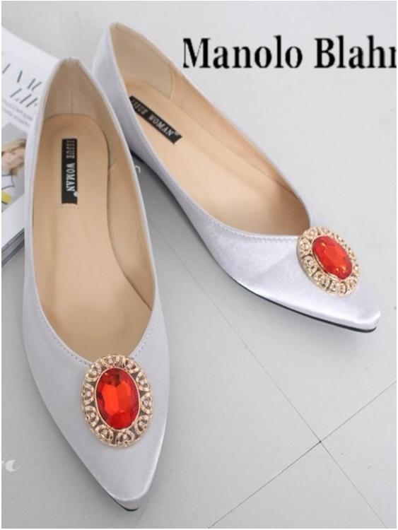 รองเท้าส้นแบนหัวแหลม สไตล์ Manolo-Blahnik (สีเงิน )