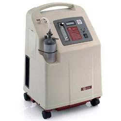 เครื่องผลิตออกซิเจน 5 ลิตร พ่นยาได้ Yuwell (Yuyue) รุ่น 7F-5 รหัส MEB02