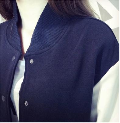 เสื้้อกันหนาวแฟชั่นเกาหลีสีกรมแขนสีขาว