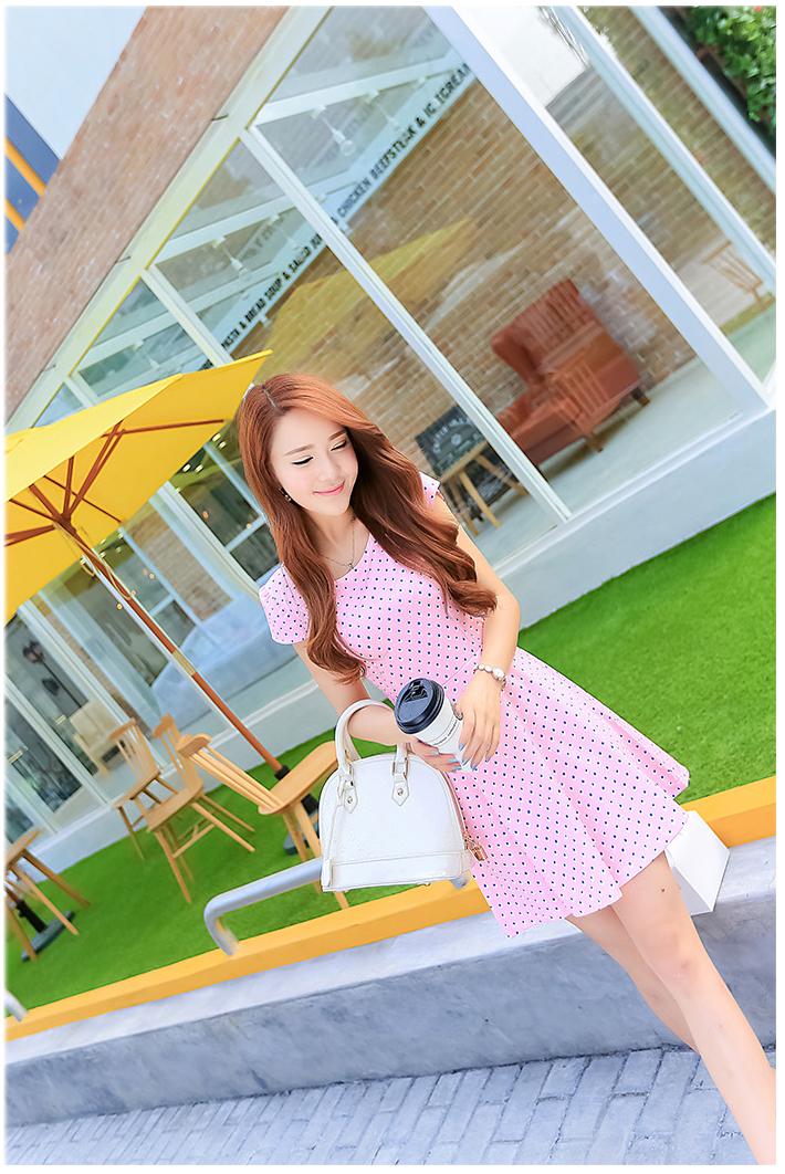 รับตัวแทนจำหน่ายชุดเดรสทำงานแฟชั่นเกาหลีสีชมพูลายจุดกระโปรงบานน่ารักสุดๆ