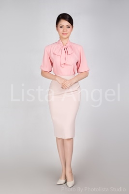 เสื้อคอผูกโบว์สีชมพูพาสเทล