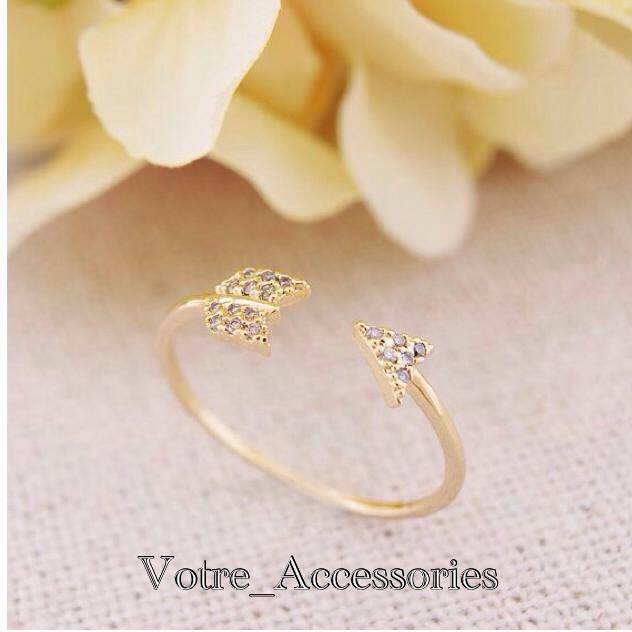 Tiny arrow crystal ring