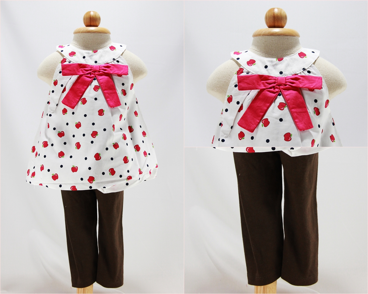ชุดเสื้อ + เลกกิ้ง คอเว้า สีขาวลายแอปเปิ้ล