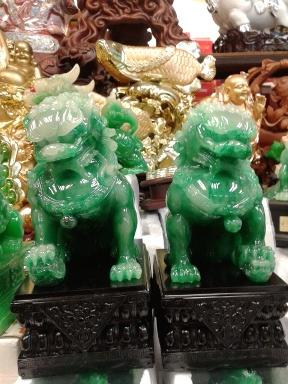สิงโตมงคลคู่หยก อุดมโชคลาภวาสนา ปกป้องภยันอันตราย