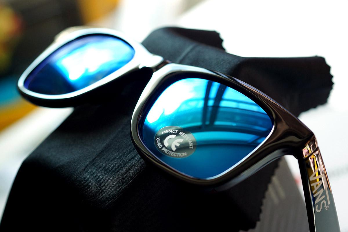 ce061a8c634 Vans Janelle Hipster Sunglasses - Black Gradient - LnwMall สังคมของ ...