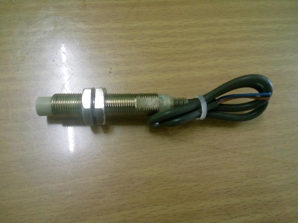Prox. Sensor จับโลหะ 10 mm. สินค้ามือ 2 ทดสอบแล้ว