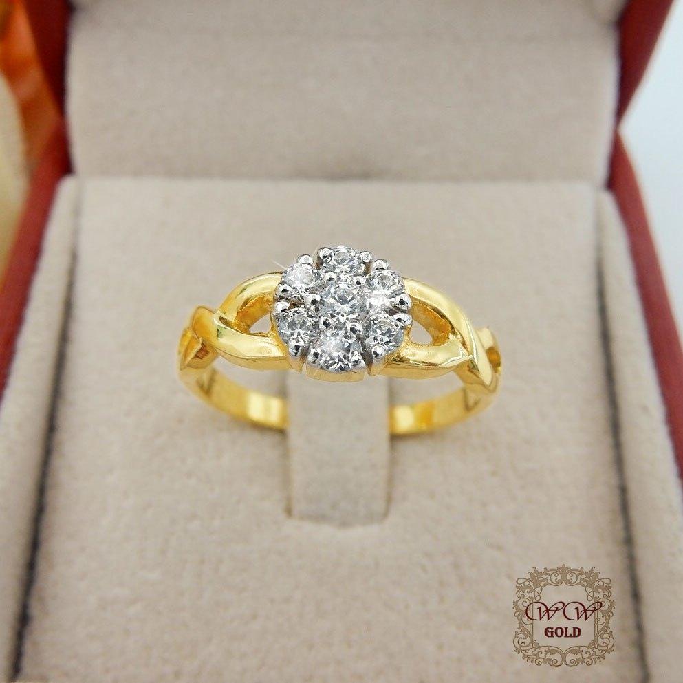 แหวนเพชรดีไซน์ดอกไม้ (ก้านเกลียว)