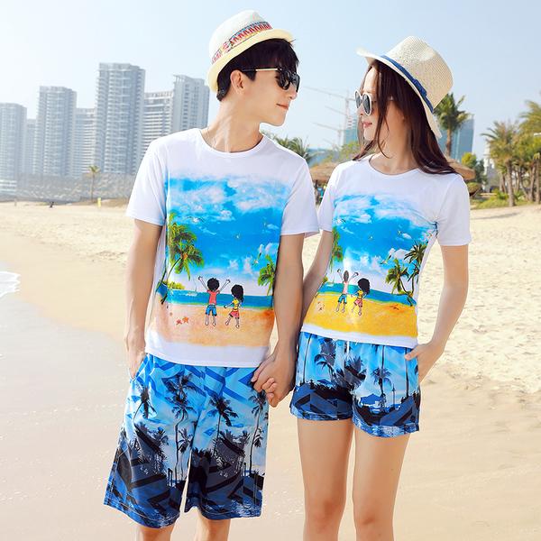 เสื้อคู่รัก ชุดคู่รักเที่ยวทะเลชาย +หญิง เสื้อยืดสีขาวลายคู่รักสวีทเที่ยวทะเล กางเกงขาสั้นลายต้นมะพร้าวโทนสีฟ้า +พร้อมส่ง+