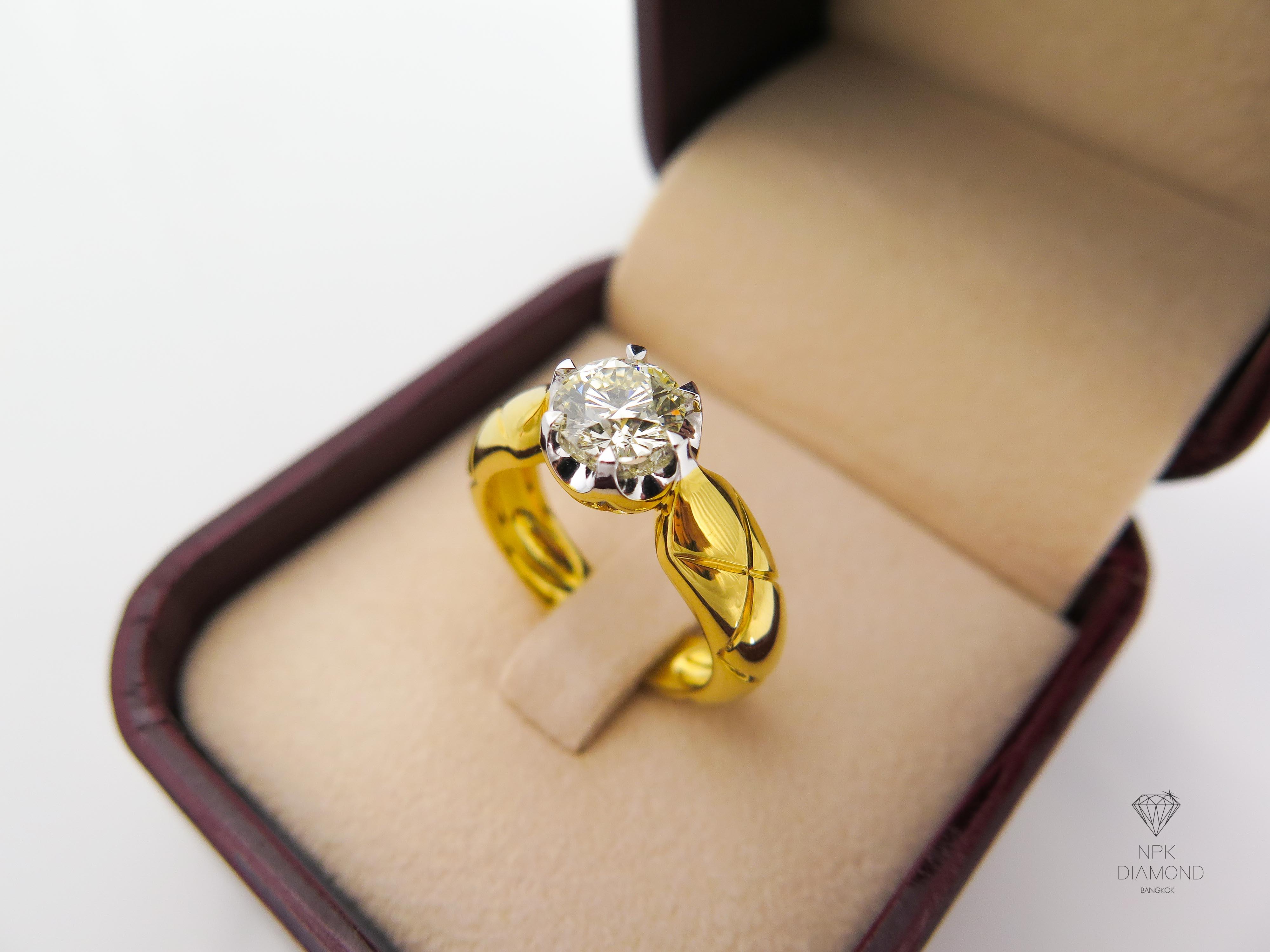 แหวนเพชรชู 1.01 กะรัต