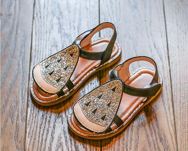 รองเท้าเด็กแฟชั่น สีเงิน แพ็ค 5 คู่ ไซต์ 21-22-23-24-25