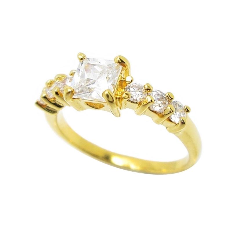 แหวนประดับเพชรทรงสี่เหลี่ยมชุบทอง