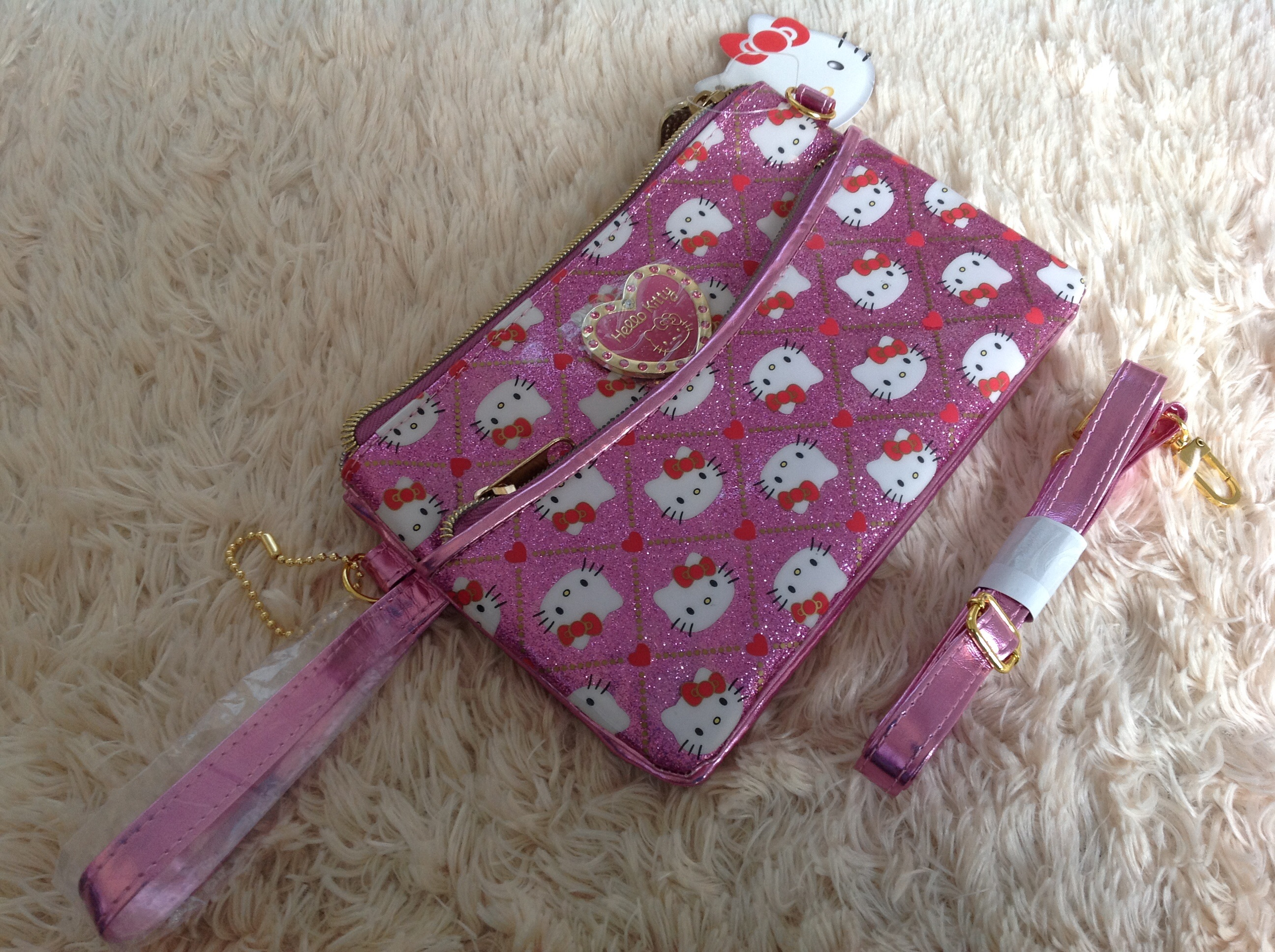 พร้อมส่ง Sanrio Hello Kitty pink heart crossbody bag