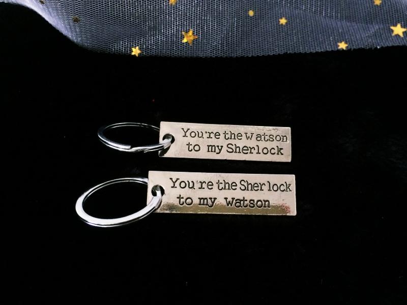 พวงกุญแจคู่ Sherlock & Watson