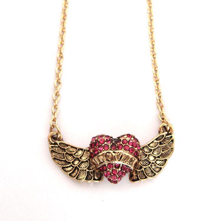 Wing of Love Necklace สร้อยคอรูปหัวใจติดปีกแห่งรัก เก๋มากๆ