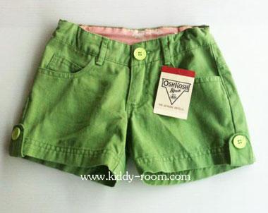 Oshkosh กางเกงขาสั้น สีเขียวตอง แต่งกระดุมปลายขา ปรับเอวได้ ผ้าไม่หนา ใส่ชิวๆ ได้ทุกวันค่ะ size 4, 5