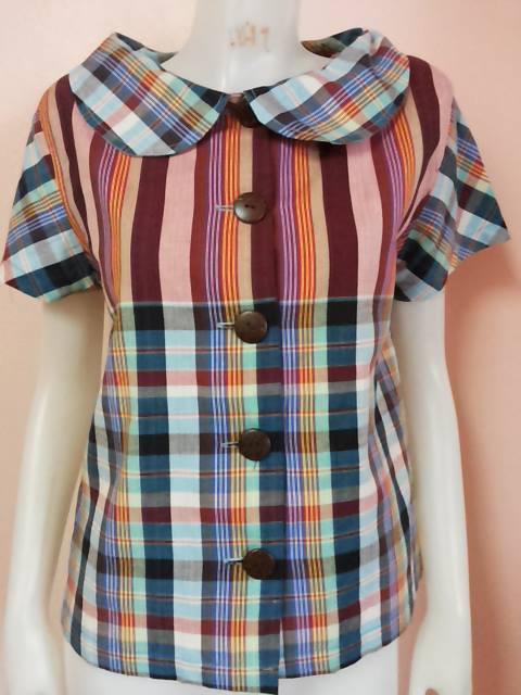 เสื้อหญิง รุ่น: คอปกบัว