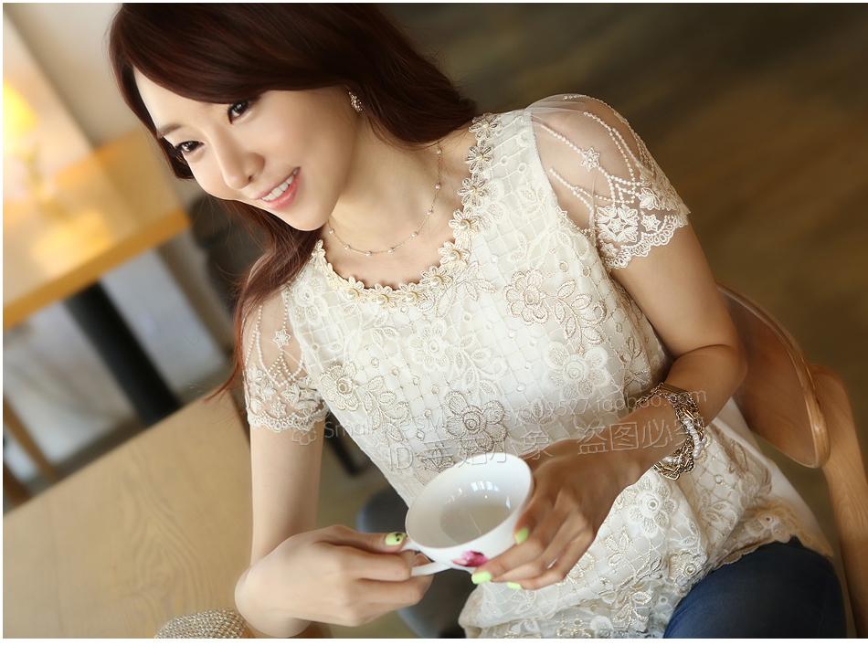 Pre-Order เสื้อแขนสั้น ผ้าลูกไม้ เสื้อผ้าแฟชั่นเกาหลี เสื้อผ้าทำงาน เสื้อผ้าออกงาน สีครีม