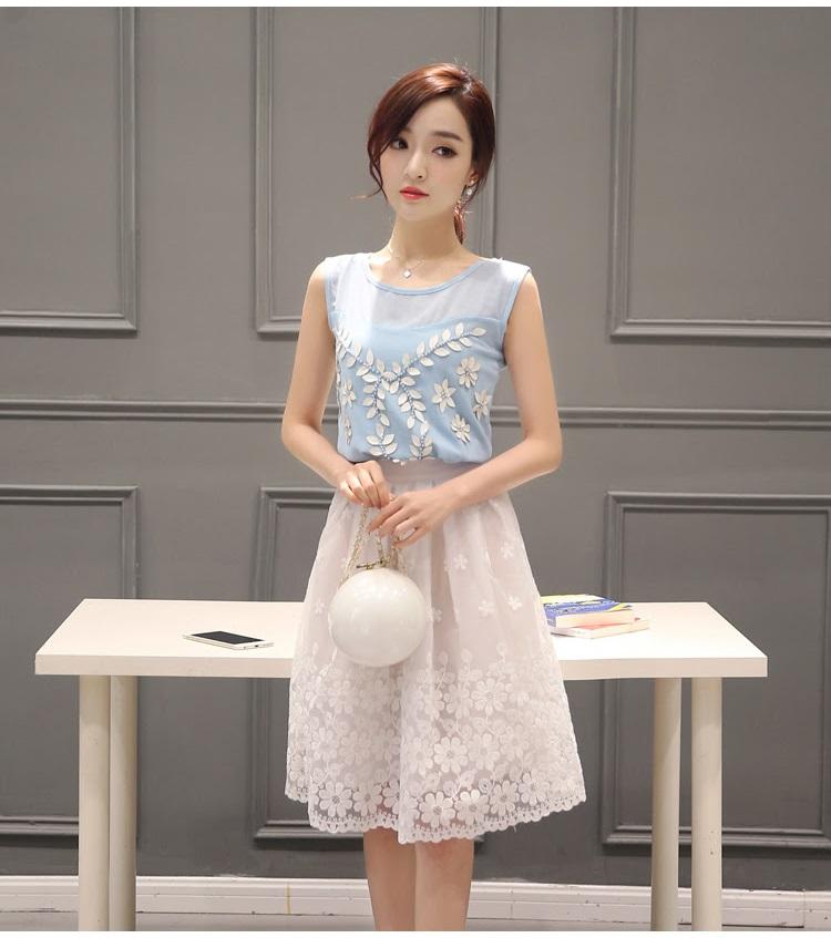 แฟชั่นเกาหลี set เสื้อ และกระโปรงสวยหวานครับ