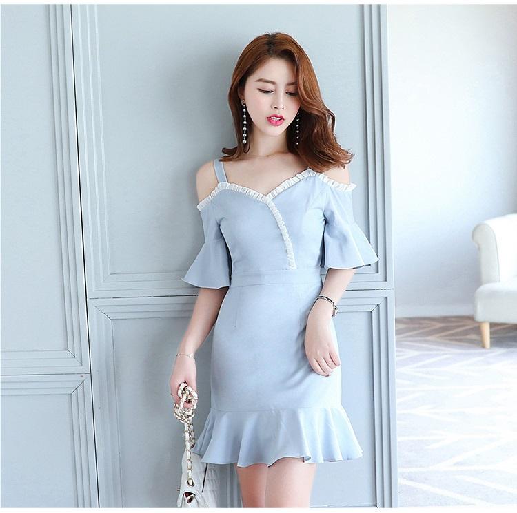 ชุดเดรสเกาหลี ผ้าโพลีเอสเตอร์ผสมสีฟ้า สายเดี่ยว เปิดไหล่